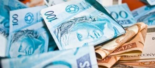 Receita Federal começa a pagar restituição