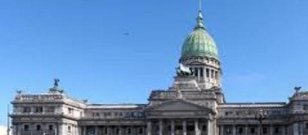 La Comisión de Juicio Político violó el reglamento