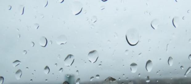 Ploaie în județul Iași, fulgere și vânt moderat