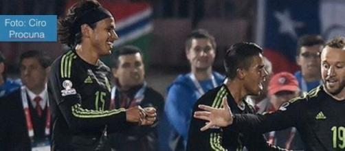 Chile empata a tres goles con México