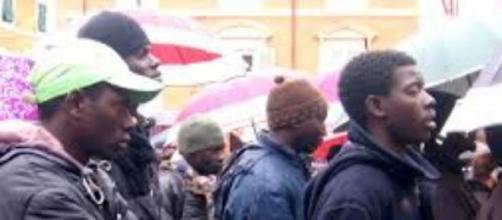 Migranti sgomberati a Ventimiglia.