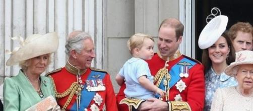 Príncipe George centro das atenções em evento real
