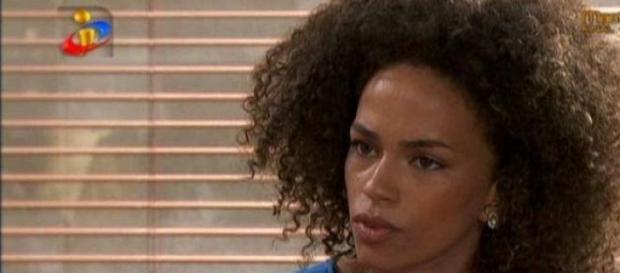 A Única Mulher: Mara aceita casar com Artur