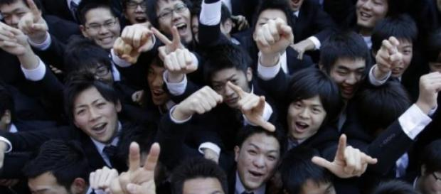 Tinerii japonezi se tem sa faca sex