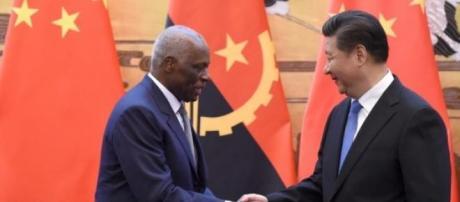 José Eduardo dos Santos com Xi Jinping.