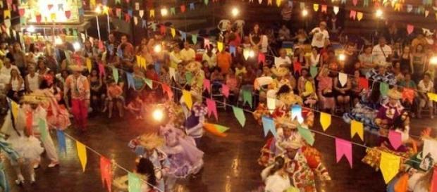 Festa junina rica culturalmente e cheia de alegria