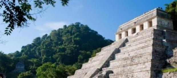 Piramida mayasa din Mexic
