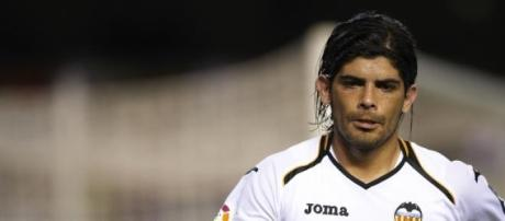 Banega, en un partido con el Valencia CF.