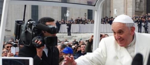 Papa Francisco escreveu a sua primeira encíclica