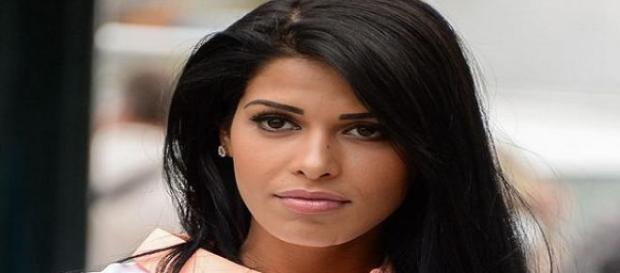 Ayem Nour célibataire et pas enceinte