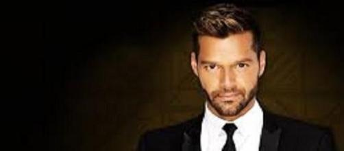 Il famoso cantante Ricky Martin.