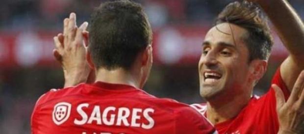 Lima e Jonas de saída do Benfica