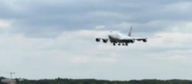 Mężczyzna wypadł z Boeinga 747