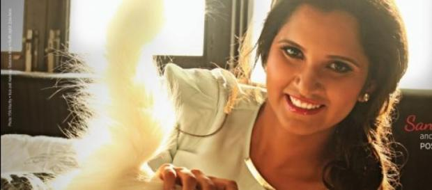Sania Mirza poses with her cat for PETA ad
