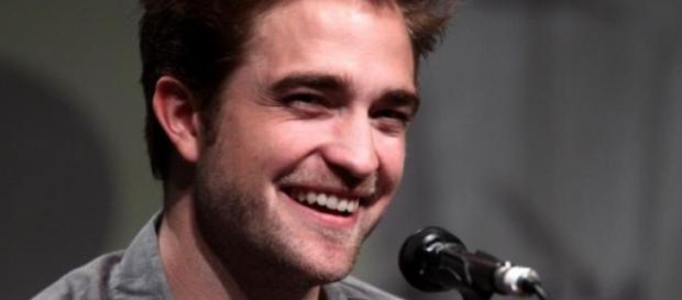 Startet Robert Pattinson als Sänger?