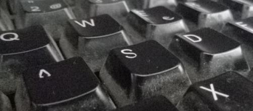 Un viejo teclado desempolvado para poder escribir