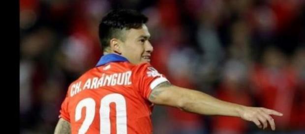 Aránguiz, autor de 2 de los 5 goles contra Bolivia