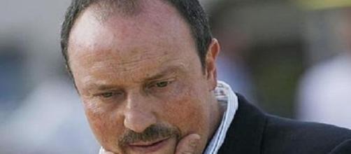 Benitez doit changer de look.