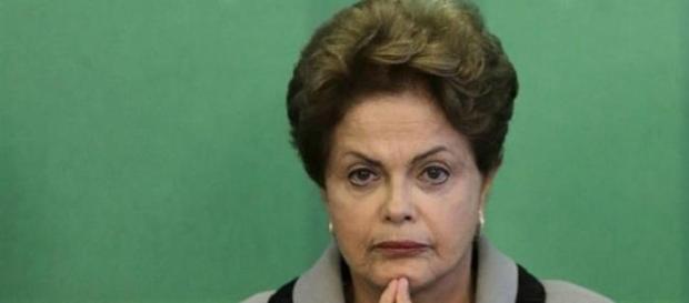 """Dilma continua """" pedalando """" as contas públicas"""