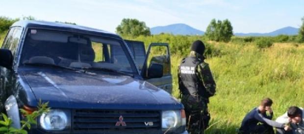Contrabandişti de ţigări la graniţa cu Serbia