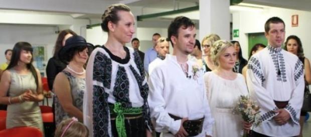 Luiza si Cosmin s-au cununat in straiul popular