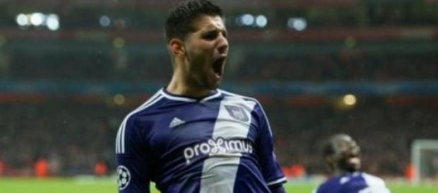 Mitrovic interessa ao Benfica e... ao FC Porto