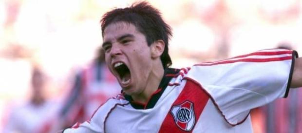 Tras 14 años, Saviola vuelve a Núñez