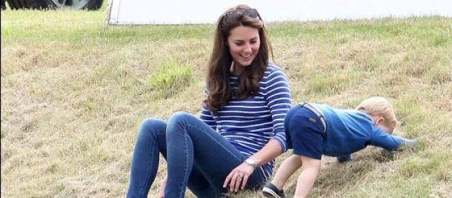 <p>body rebound: Duchess Kate Middleton and Prince George are bundles of energy just six weeks post-pregnancy</p>