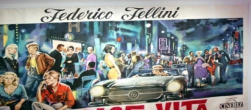 "Cartel de ""La dolce vita"" de Federico Fellini."