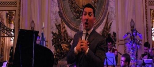El cantante y su orquesta en la Casa Rosada