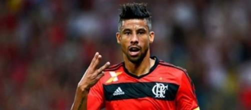 Léo Moura em ação pelo Flamengo