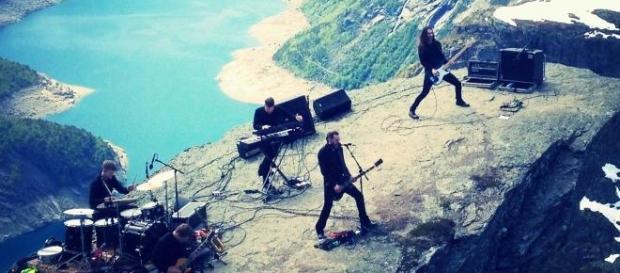 Os Shining no topo da montanha, literalmente!
