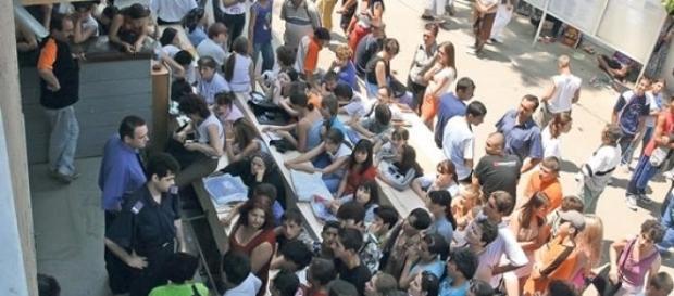 Admiterea la studii în România