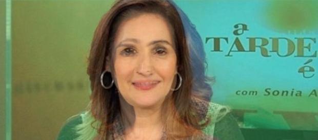 Fátima Bernardes vira nova Sônia Abrão