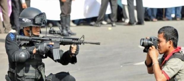 Los periodistas podrían considerarse terroristas