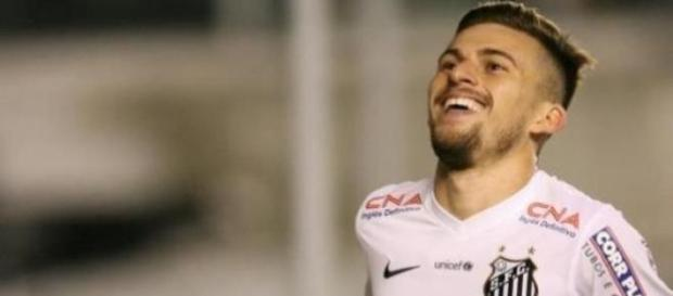 Lucas Lima mais longe do FC Porto