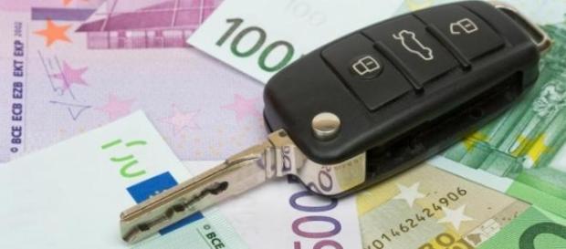 Taxa auto aduce bani în plus şoferilor români