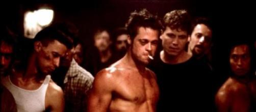 Brad Pitt como Tyler Durden