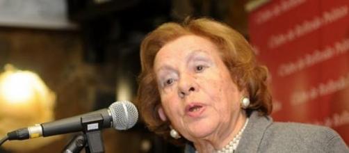 Maria Barroso tem 90 anos