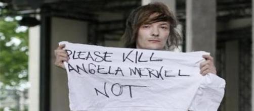 Modelo pediu a morte de Angela Merkel