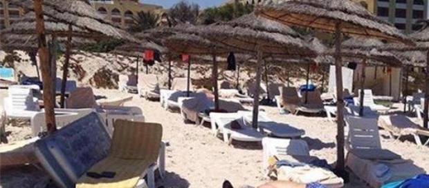Atac armat pe o plajă din Tunisia