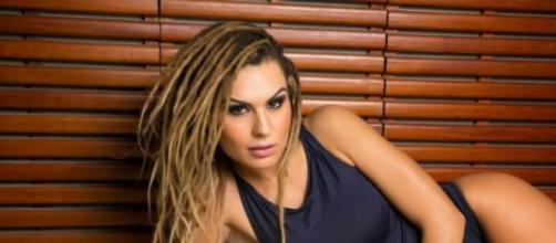Fernanda Lacerda conquista 1 milhão de seguidores