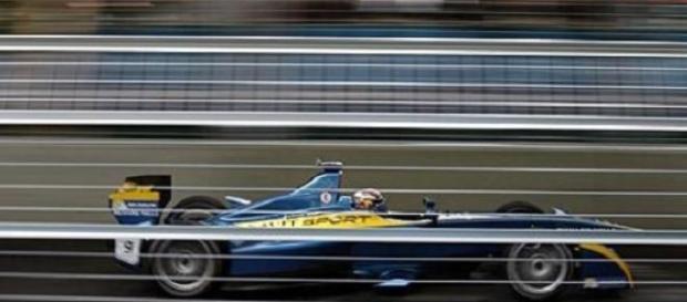 Buemi gagne la 1ere manche de l'ePrix de Londres
