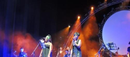 Durga y Lorlei McBroom en el Ópera con Ummagumma