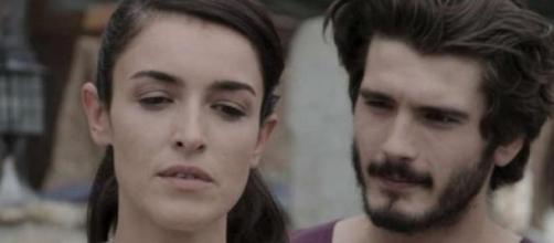 I due attori della serie tv in una scena.