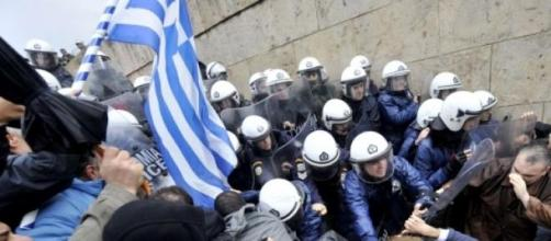 Mídia sensacionalista contribui para a crise grega