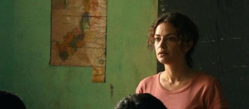 Paulina hace un lado la abogacía para ser maestra