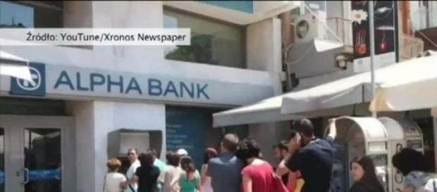 Grecy szturmują Banki,niekończące się kolejki