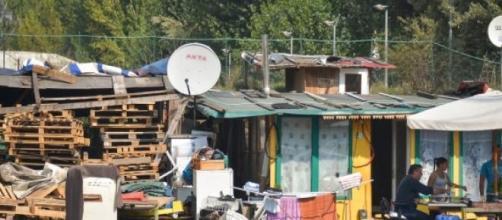 Immagine di un  campo Rom