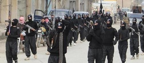 Las tropas de ISIS avanzan sobre Iraq y Siria